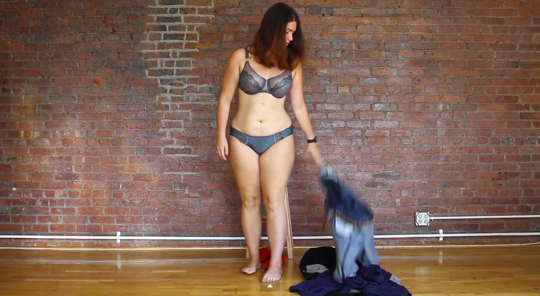 Women Taking Off Their Clothes  Babe  Porn Videos-1672