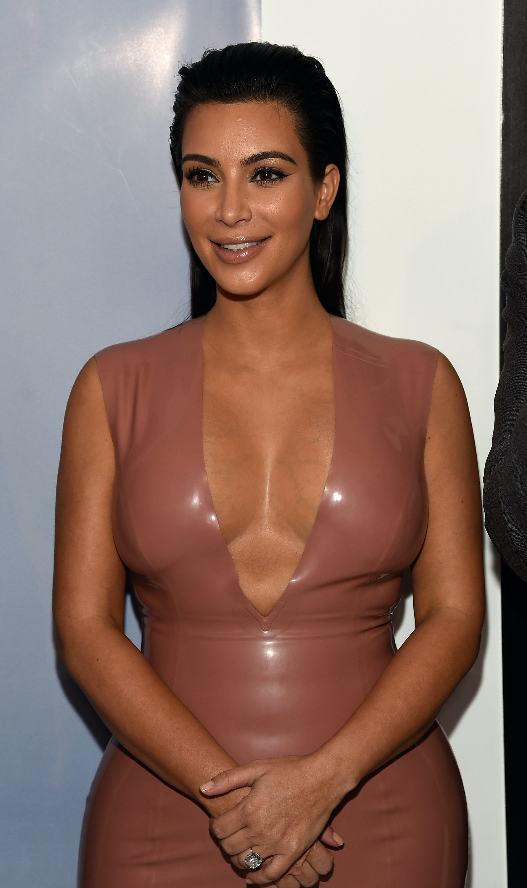 Kim Kardashian Promises New Contouring Classes For Pregnant Faces Because  She Didn't Wake Up Like This And That's Ok