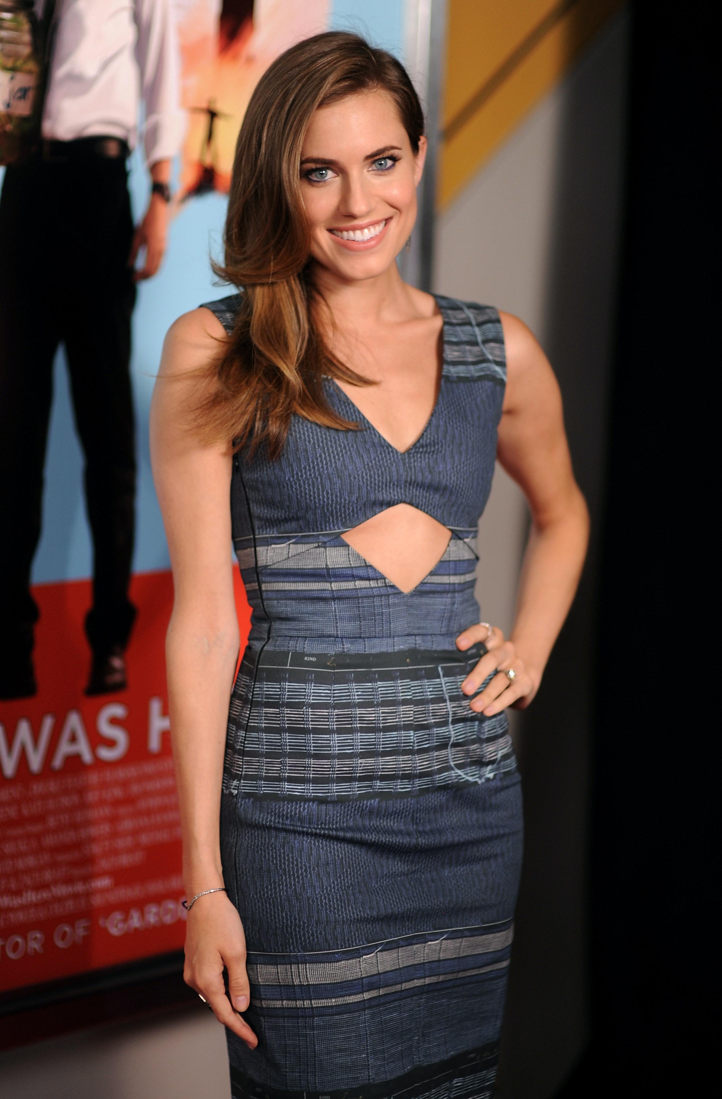 Dress Like Allison Williams From 'girls' With These 3 Simple Steps (engagement  Ring Not Included)