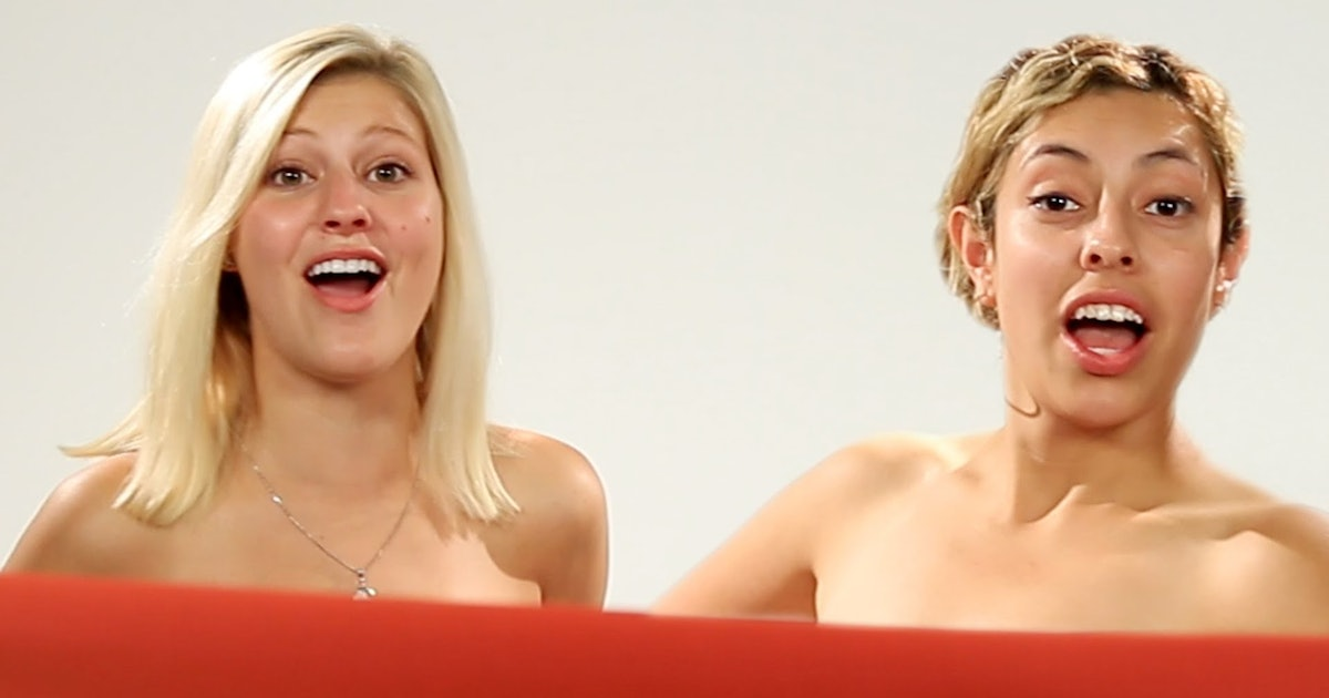 Best Friends See Each Other Naked For The First Time -1369
