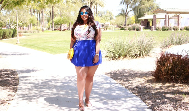 15 Plus Size Mini Skirts  Short Shorts, Because Its Time For Bare Legs  Photos-4010