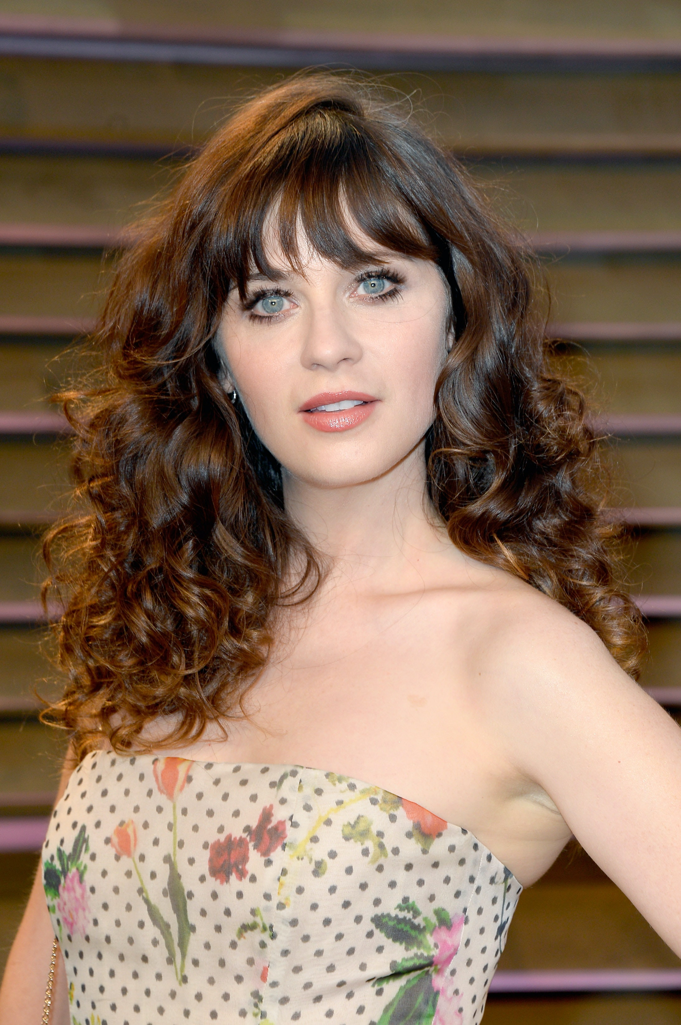 Magnificent Can You Have Bangs With Curly Hair 6 Steps To Making Sure You Can Hairstyles For Women Draintrainus