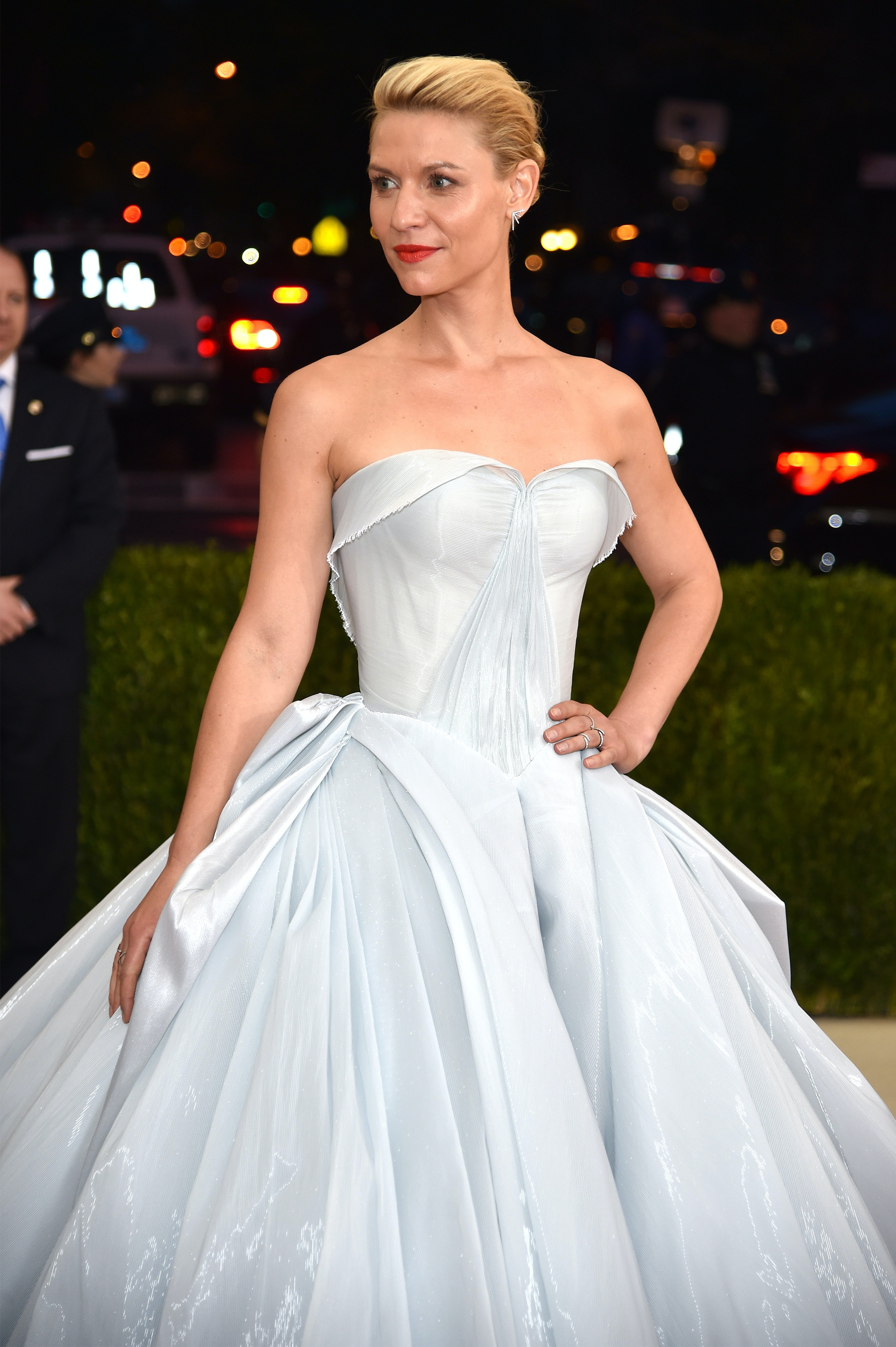 Dress up of cinderella - Who Designed Claire Danes 2016 Met Gala Dress Her Friend Made This Cinderella Gown Photos