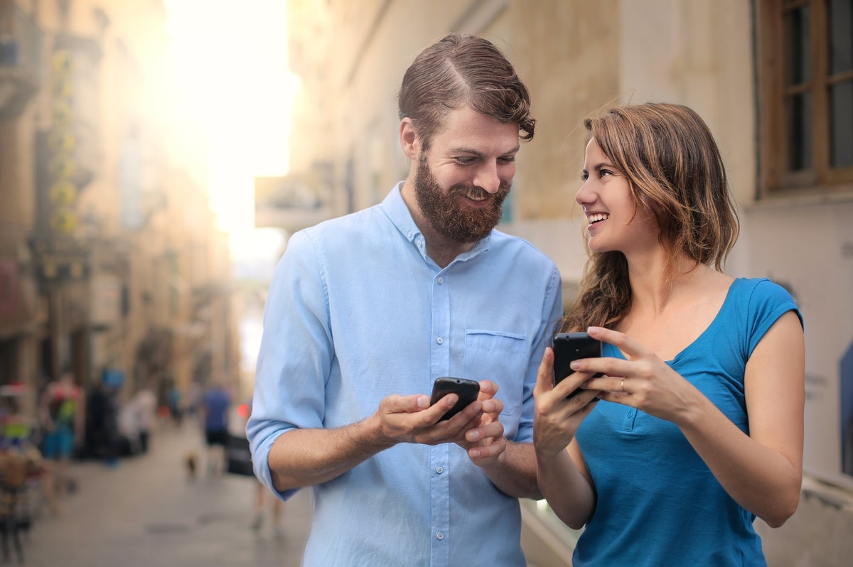 How to greet people on dating apps