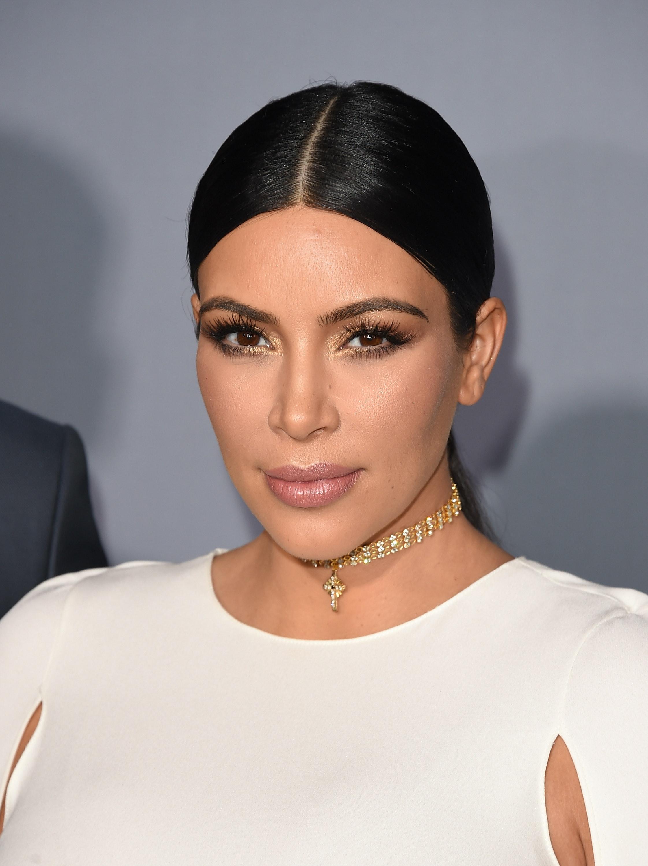 How To Use Kim Kardashian's Favorite Contour Kits Like A Total Pro €� Videos