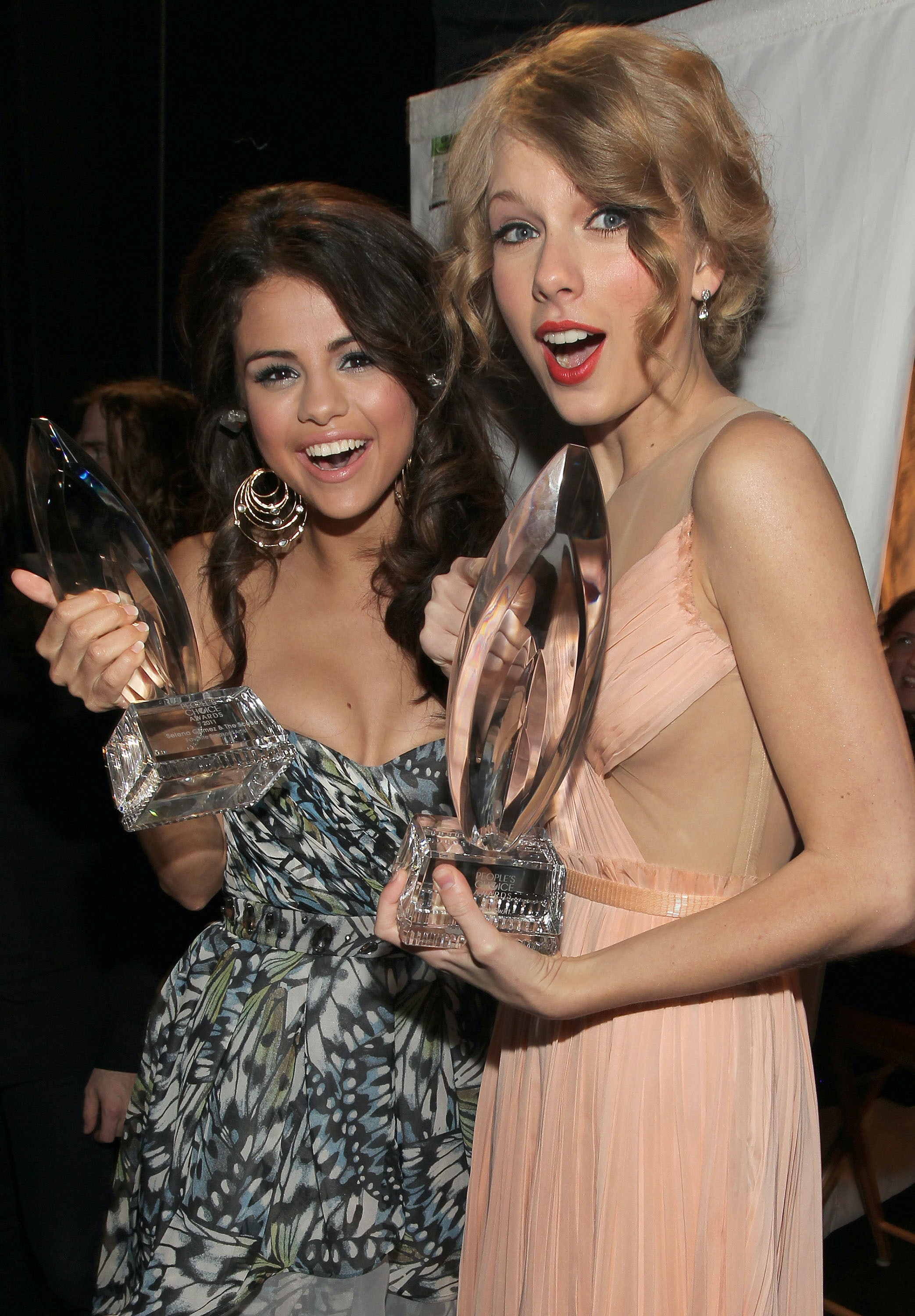 taylor swift has the longest list of best friends we ve ever seen