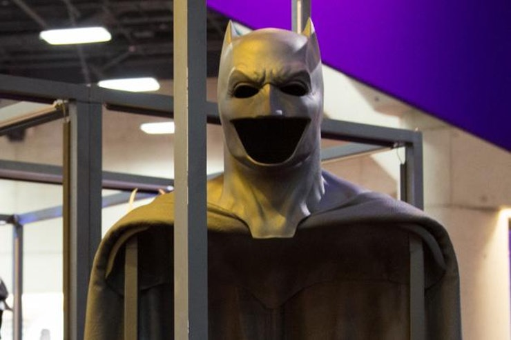 Ben Affleck's Batman Cowl Revealed at Comic-Con & It's ... Batman Cowl Ben Affleck