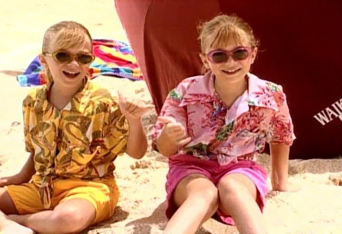 Twins Auto Mall >> Ranking Mary-Kate & Ashley's 'You're Invited!' Parties, From Costume Craziness To Hawaiian Beach