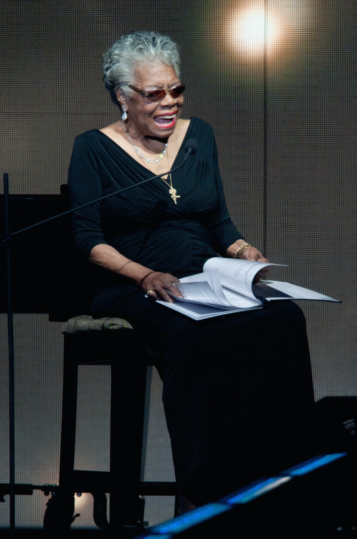 maya angelou s influences essay example Maya angelou's influence maya angelou is terrific performer, singer, filmmaker, and civil-rights activist she is a phenomenal woman, one thing that she does.