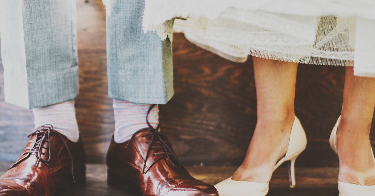 How To Cut Wedding Costs If You're Trying To Stay On A Budget