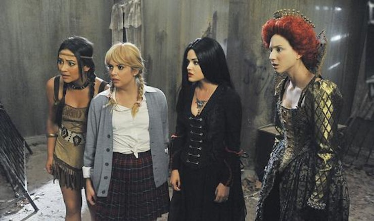 pretty little liars halloween episode the first secret has clues about the future you definitely didnt notice - Pretty Little Liars First Halloween Episode