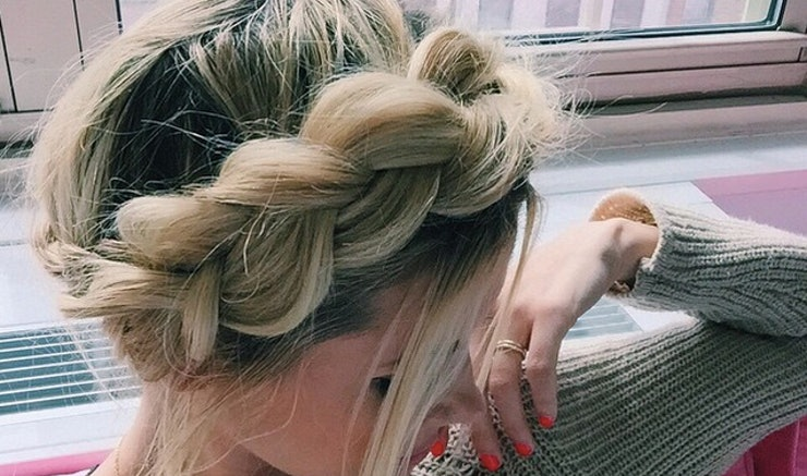 7 easy prom hairstyles you can diy at home before the big dance urmus Images