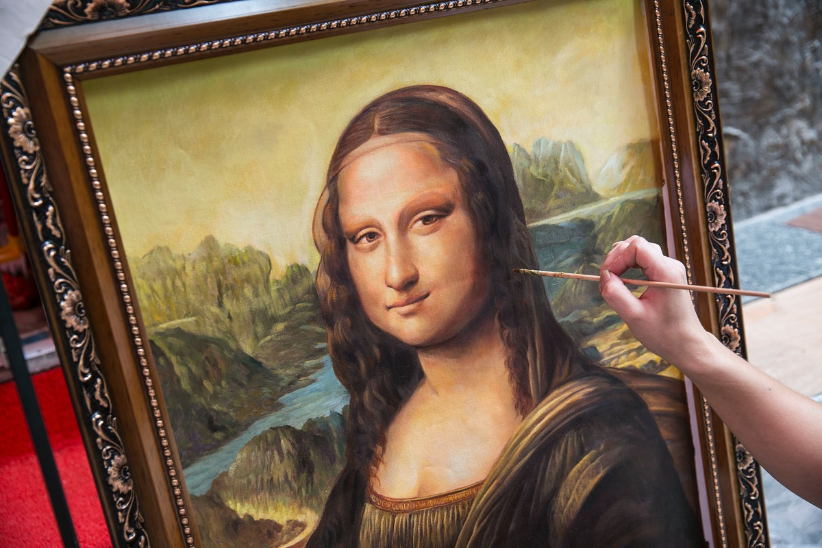 the technique behind mona lisa Let the mona lisa mysteries continue for centuries, human beings from all walks of life have spent countless hours wondering what lies behind mona lisa's enigmatic smile is it superiority cunning he employed a technique called layer amplification method (lam) to analyze the historic work.