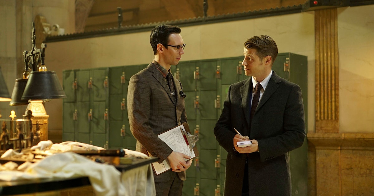 The Riddler Sends Jim Gordon To Prison Gotham Amp Leaves