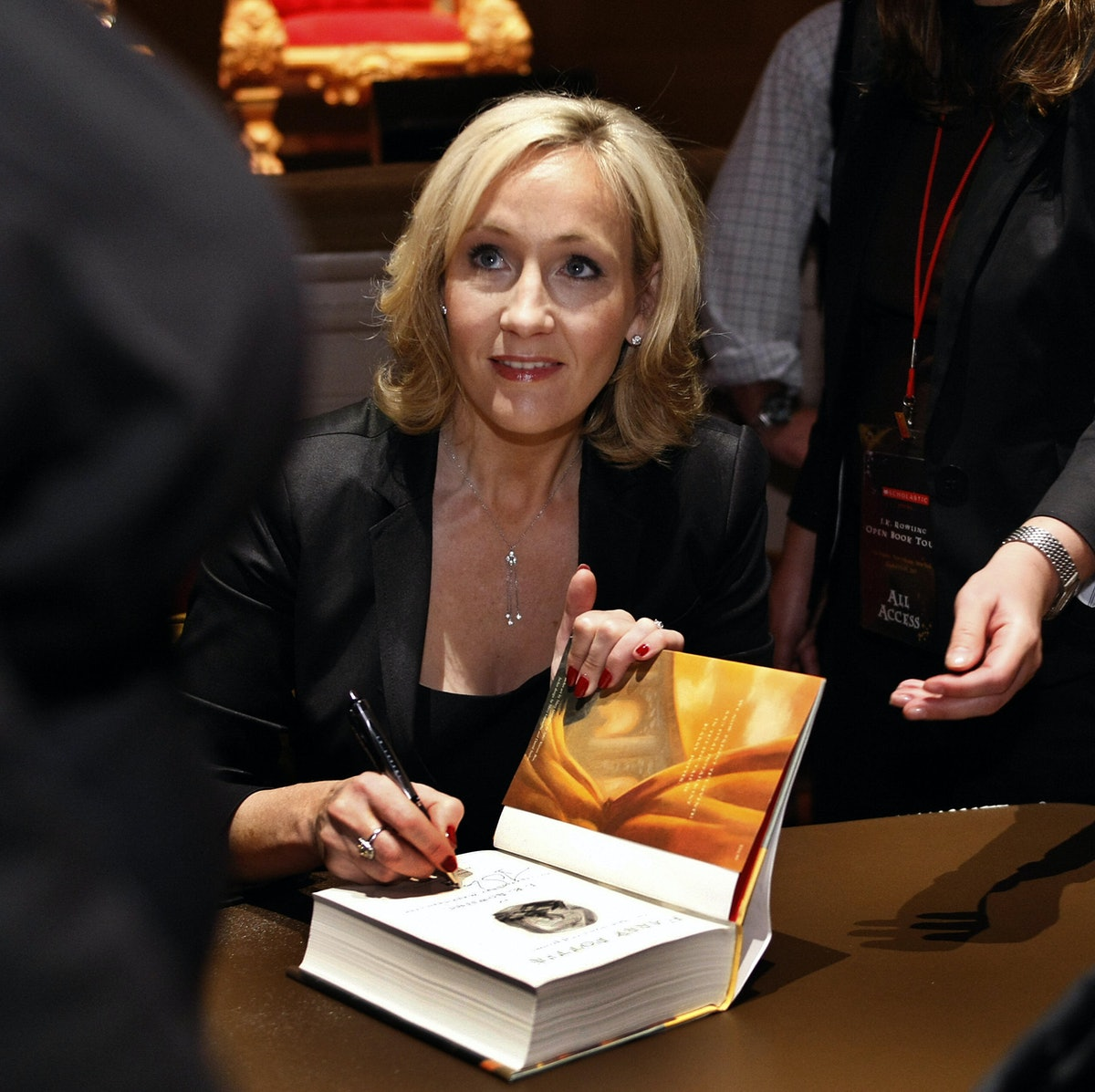 harry potter jk rowling essay I'm not jk rowling, i do not own harry potter and i do not make any money of writing this is a spin-off of my story christmas at malfoy manor, to understand the essays it is best to have read that story at least up untill chapter 16.