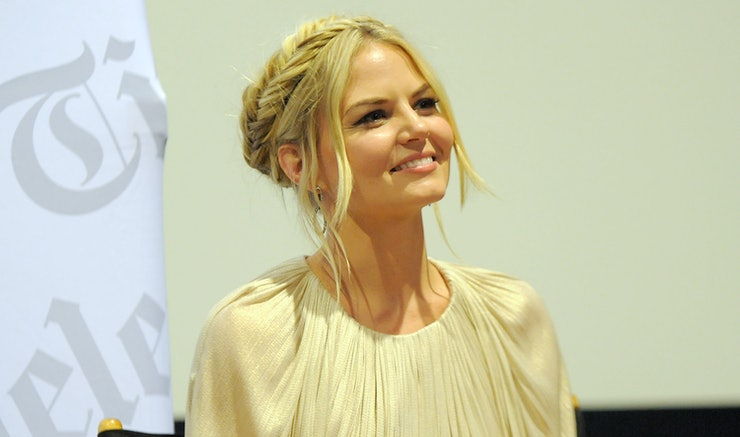 Who Is Jennifer Morrison Dating  Just Like Emma Swan  She Doesn     t Need Arm Candy