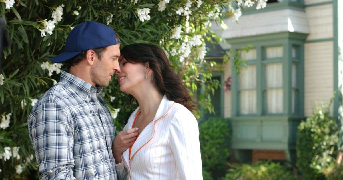 What Gilmore Girls Episode Has Luke  Lorelai Kiss For The First Time Spoiler It -8248
