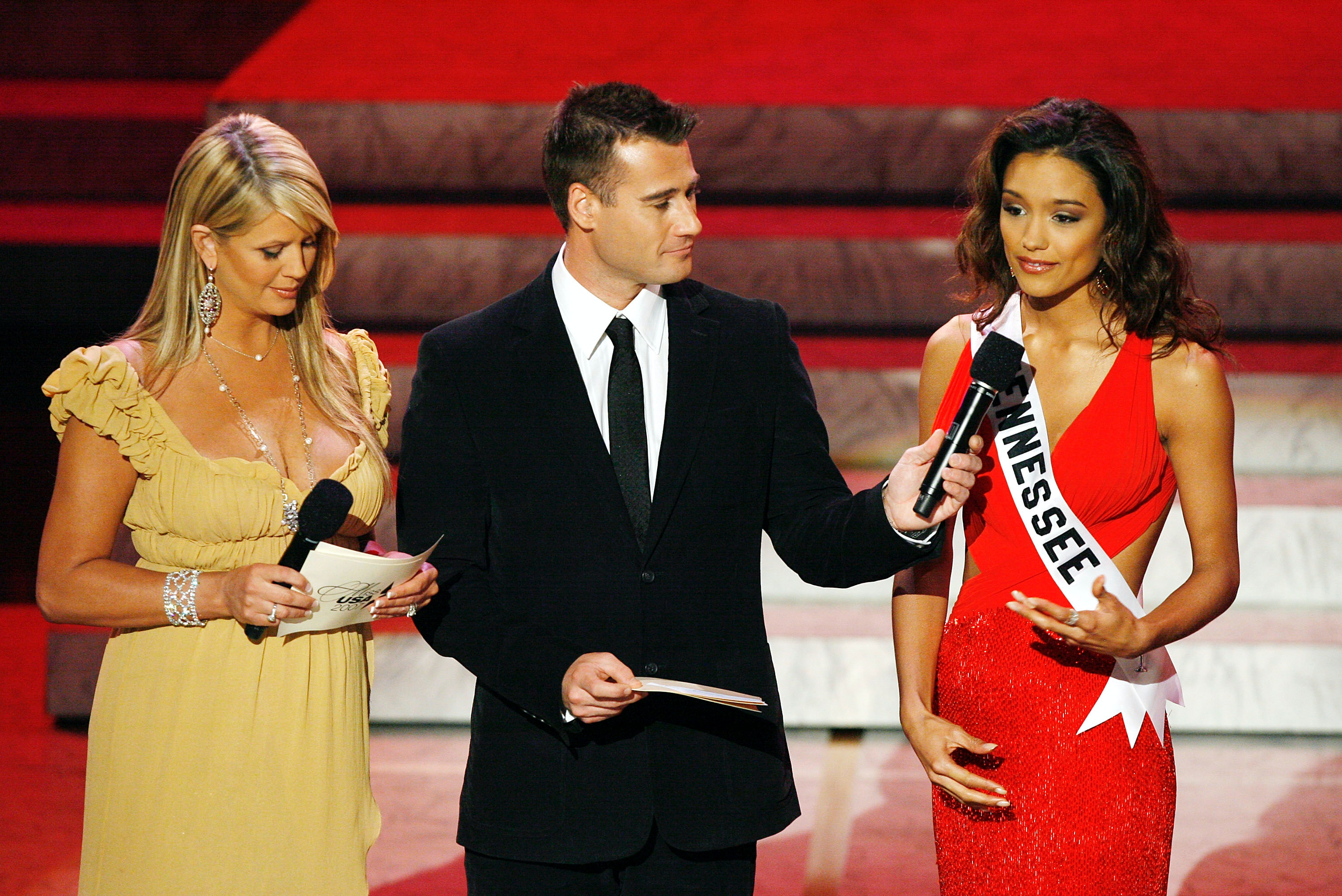 the 4 most awkward questions beauty pageant contestants have been the 4 most awkward questions beauty pageant contestants have been asked in interview portions of their competitions