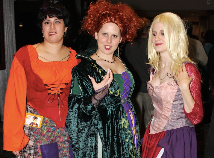 20 funny best friend halloween costume ideas that are wonderfully witty