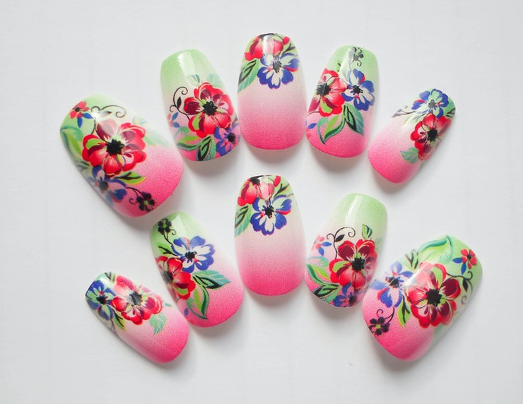 13 adorable press on nail designs perfect for lazy girls or those 13 adorable press on nail designs perfect for lazy girls or those whose nails simply refuse to grow prinsesfo Image collections