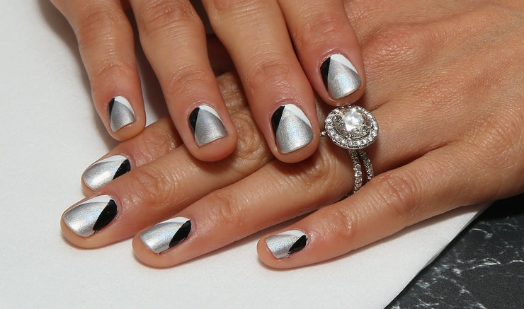 NailSnaps Combine Nail Art With Photography For A Fresh Mani