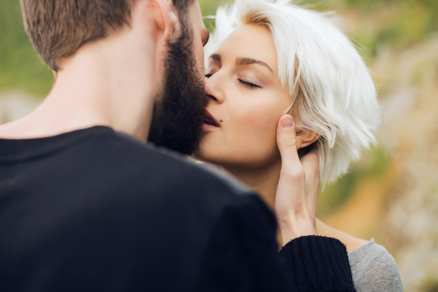 How Do I Get Rid Of Beard Burn? 9 Tricks For Soothing & Preventing  Irritated Skin