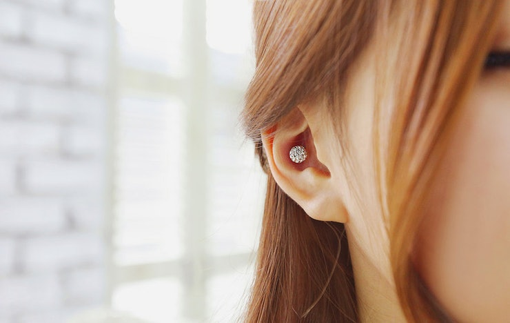 how to change a conch piercing