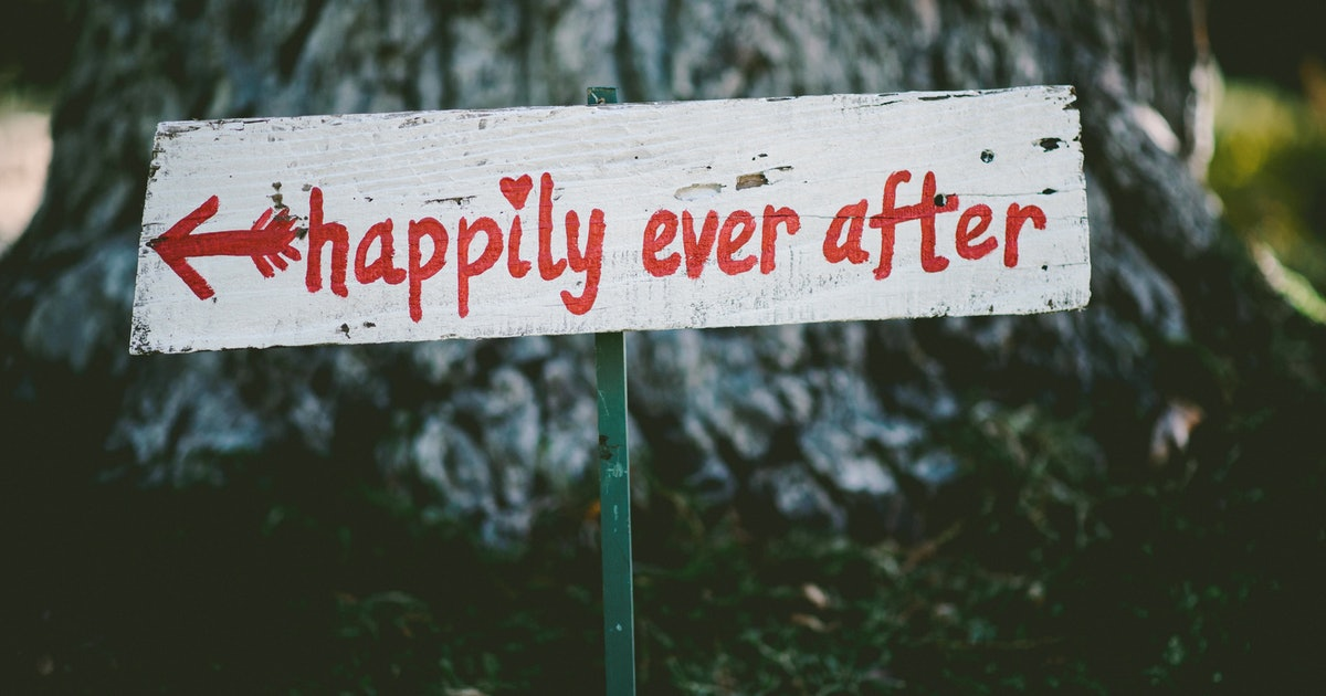 11 Funny Non Religious Wedding Readings For The Couple Who Loves Laughter
