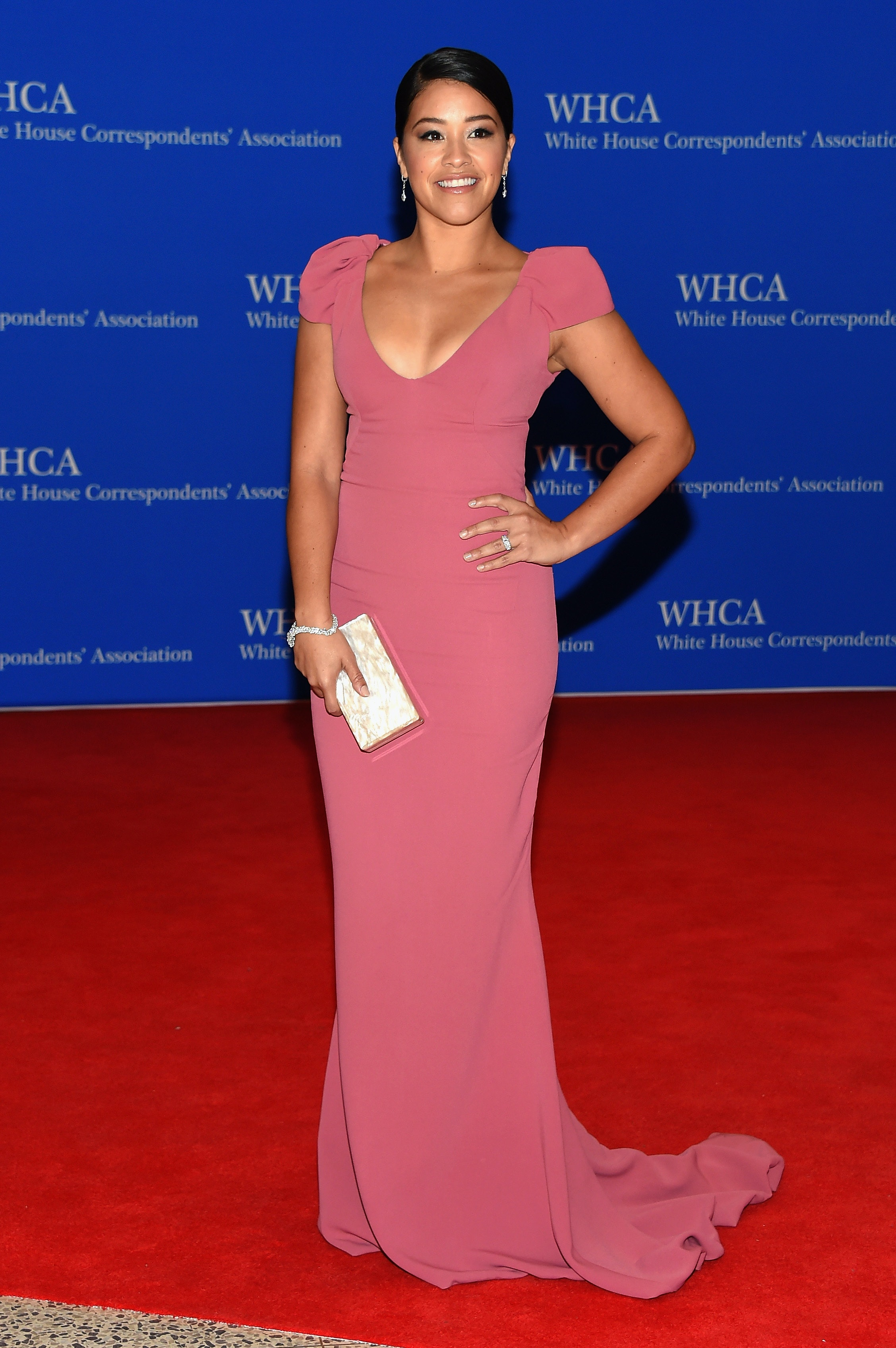how to watch the 2016 white house correspondents' dinner red