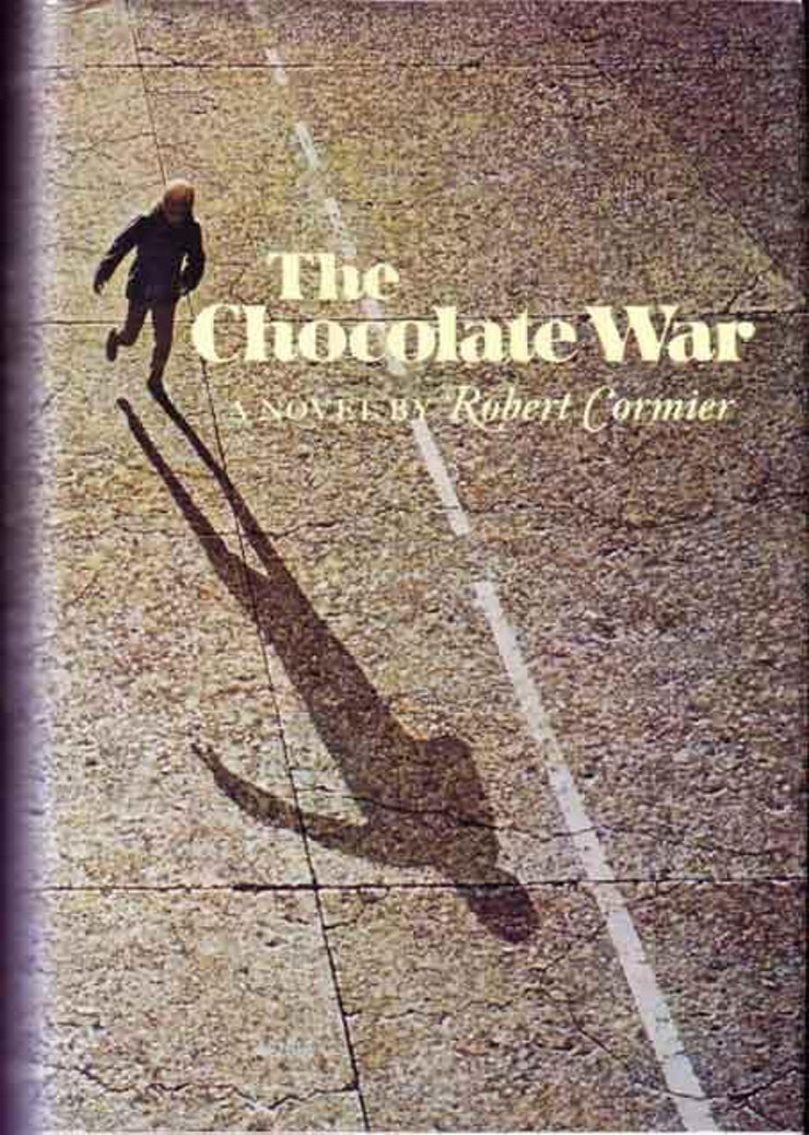 the chocolate war of jerry renault from trinity high school So, without further ado, here i go, back into the chocolate war chapter one:  introducing jerry renault  to masturbation—because, hello, high school  freshman—which is one of the various reasons that  long story short: while the  head is in the hospital, brother leon will be the interim head of trinity.