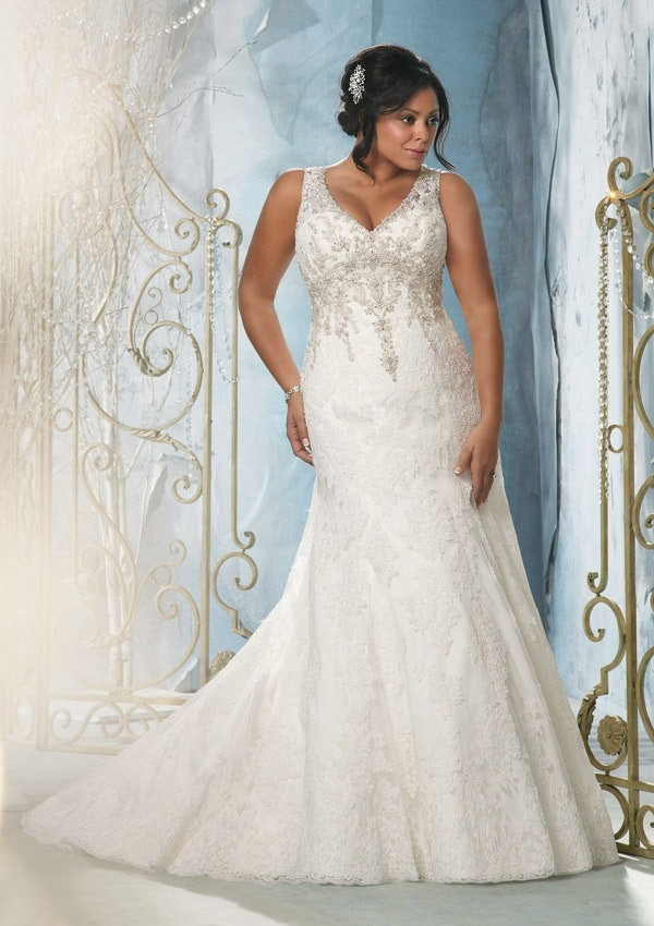 25 stunning plus size wedding dresses for every style of nuptial 25 stunning plus size wedding dresses for every style of nuptial affair junglespirit Image collections