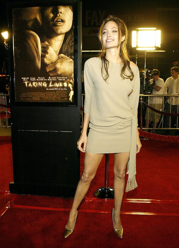 Angelina jolie nude taking lives photos 46