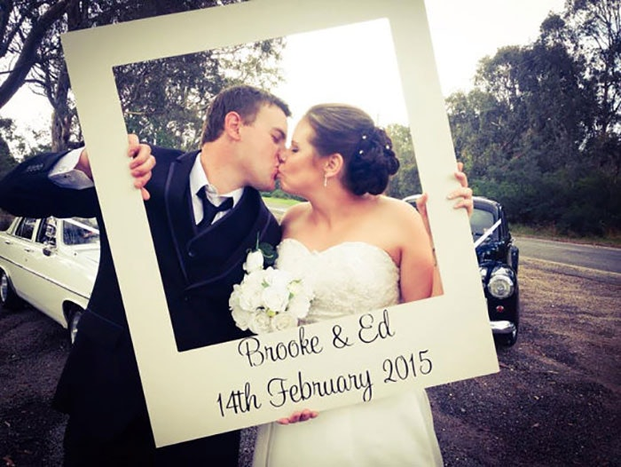 12 Diy Wedding Photo Booth Ideas That Will Save You Money And Look Amazing
