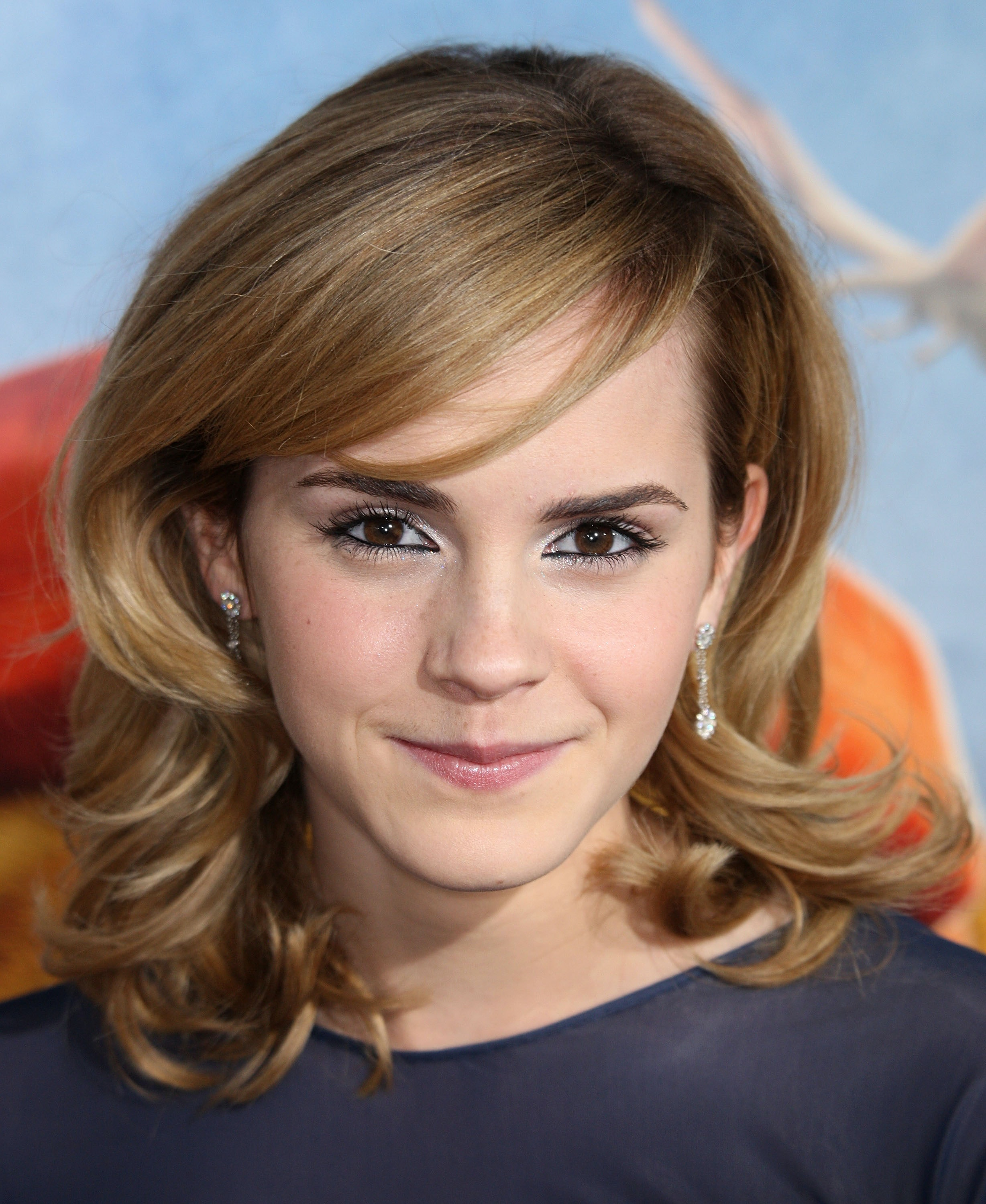 Emma watsons 10 best hairstyles over the years urmus Image collections