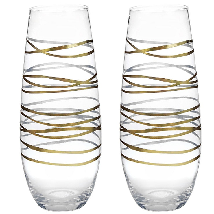 10 Champagne Glasses And Accessories That Will Guarantee A