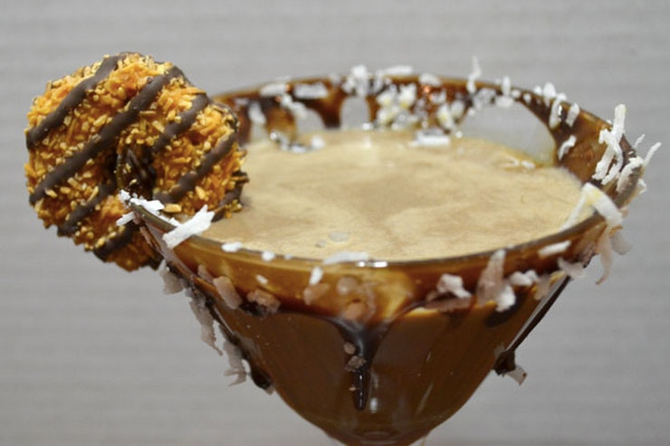7 Girl Scout Cookie Cocktails That Prove Thin Mints Are ...