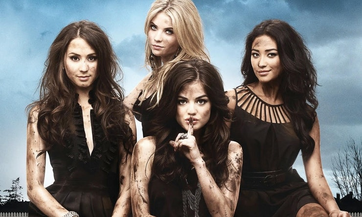Things You Never Noticed About The Pretty Little Liars Pilot - 14 hidden things movies youve never noticed