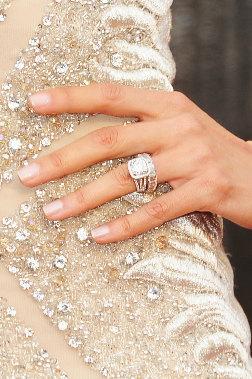 Big Diamond Engagement Ring On Finger | www.pixshark.com ...