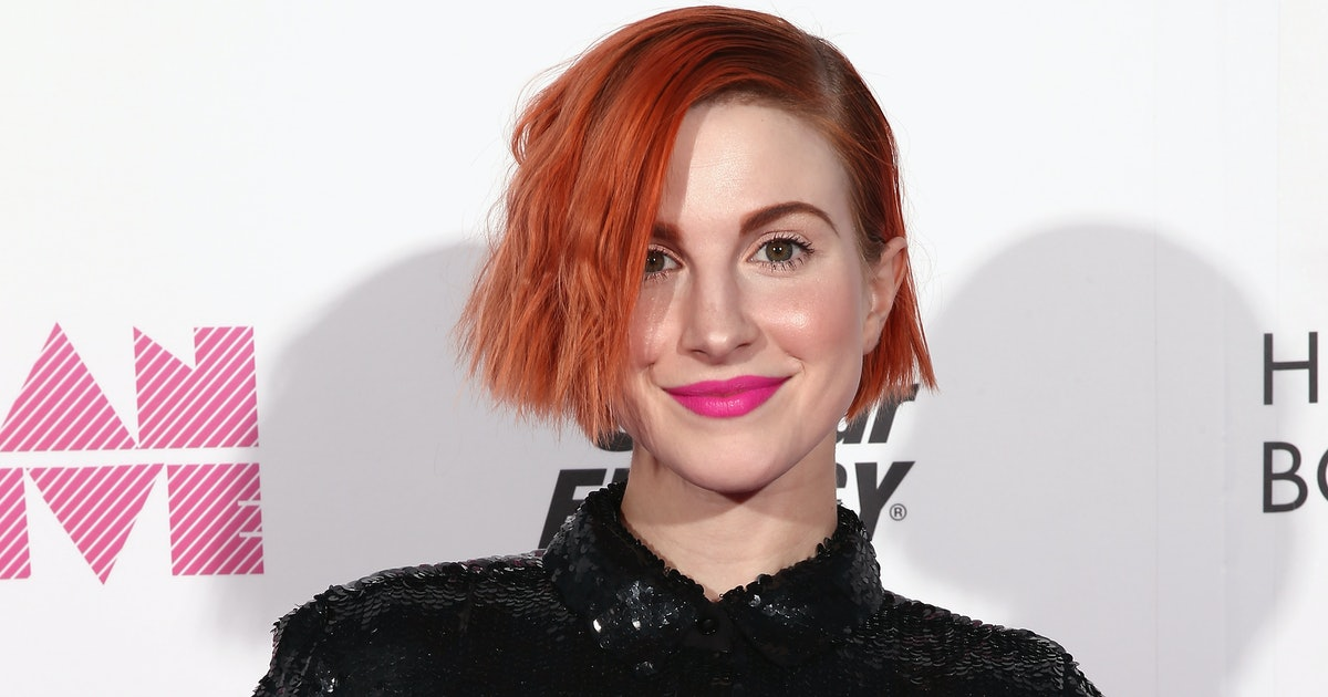 How To Use Hayley Williams' GoodDYE Young Hair Dye ...