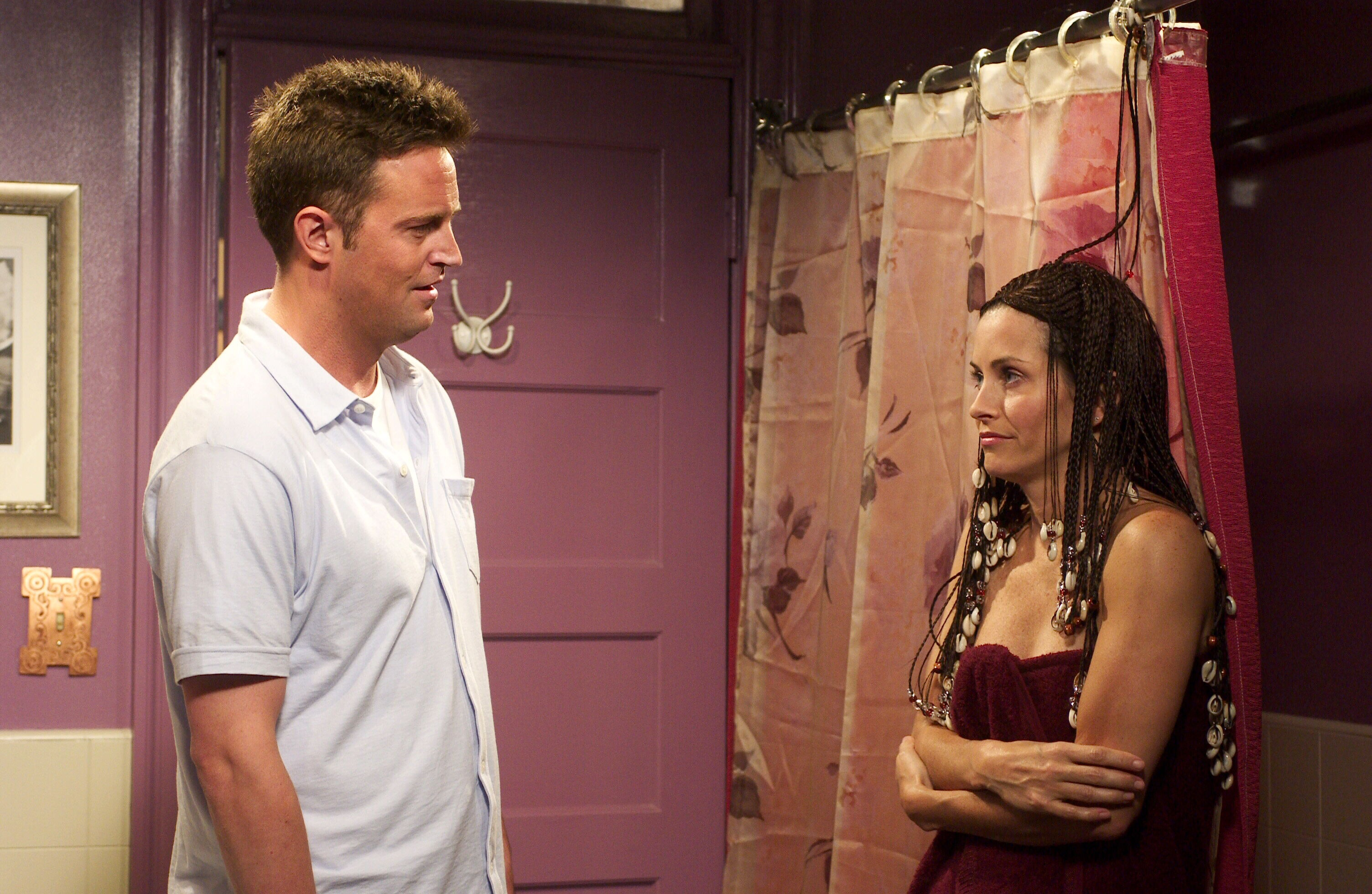 When Does Monica And Chandler Hook Up