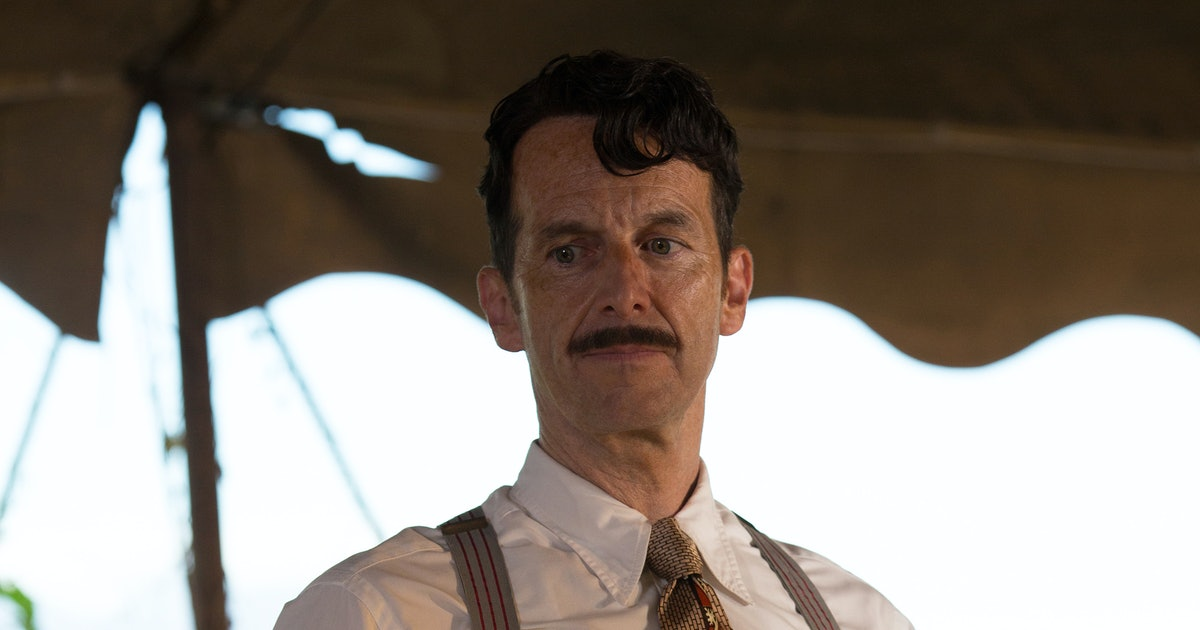 Who Will Stanley Kill on 'AHS: Freak Show'? His Options For Murder Are Pretty Endless