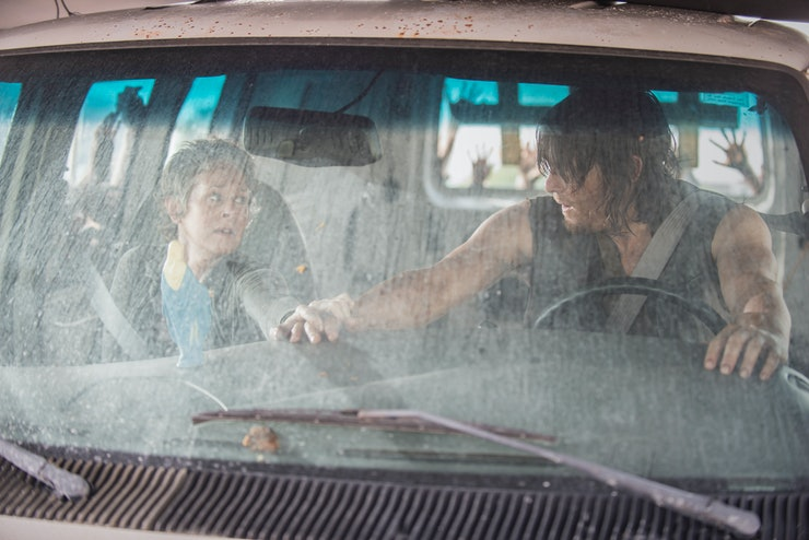 do carol and daryl ever hook up Daryl and carol have the most chemistry on the show by far whether you interpret it as sexual or familial is up to you but it makes a hell of a lot more sense than daryl and beth-like character.