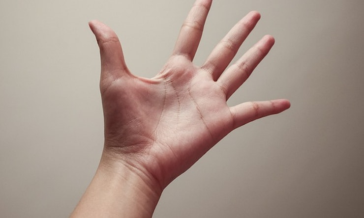 how to read your palm woman