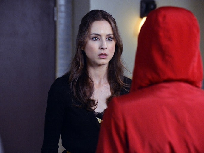 Pretty Little Liars' Red Coat Theories From Reddit Narrow Down ...