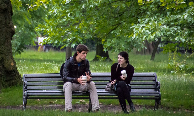 How Much Should You Communicate When First Dating