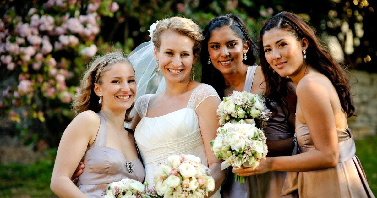How Many Bridesmaids Is Average? These Wedding Statistics