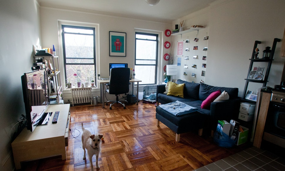 9 feng shui tips for spring cleaning your apartment for How much to clean a couch