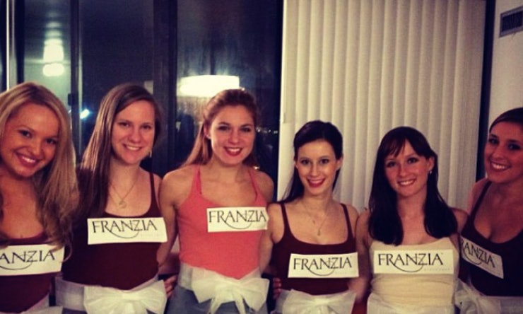 12 Cheap Group Halloween Costume Ideas For You & Your Broke Squad