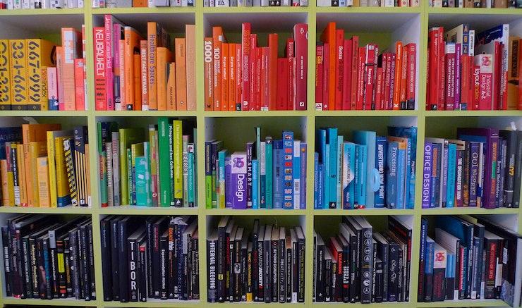 11 Ways To Make Your Rainbow Bookshelf Look Extra Gorgeous