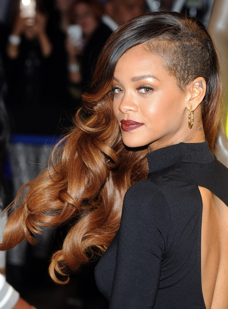 Rihanna Hairstyles: 37 Rihanna Hairstyles Broken Down By Colour That Prove She